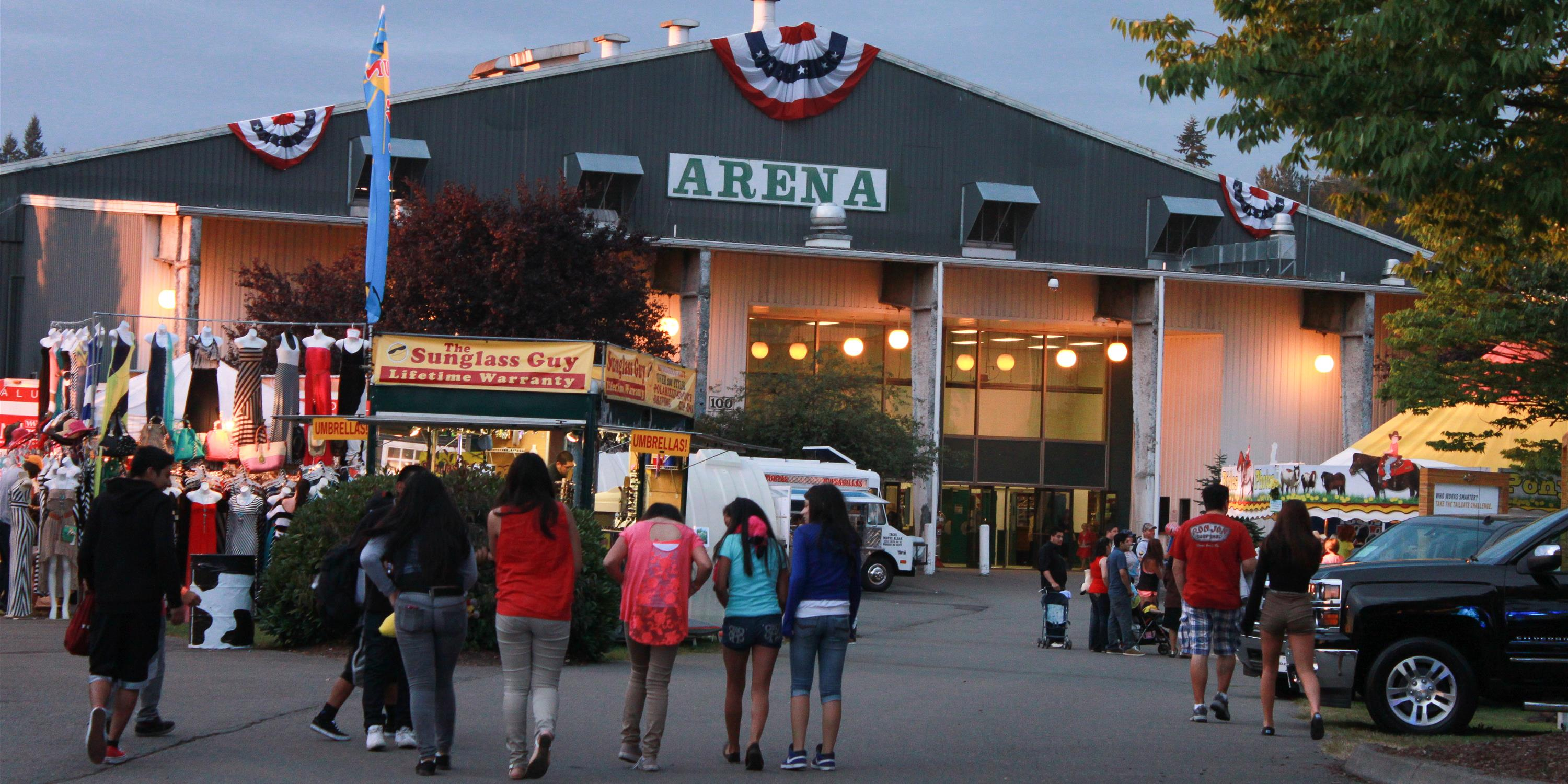 Equestrian Park Entrance Sign Crowd At An Arena